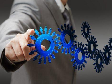 Автоматизированный рекрутинг: быстро закрываем потребность в кадрах - картинка businessman-and-people-cogs-as-concept MyQhtKrO-e1434121655482-470x353